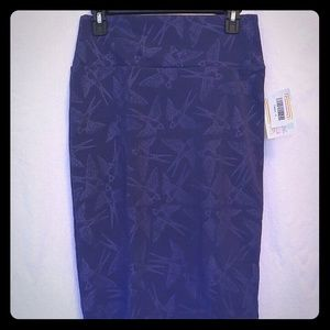 Lularoe Cassie Skirt size small Purple Sparrows